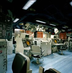 USS Ford combat information center CIC Uss Ford, Joining The Navy, Royal Australian Navy, Navy Life, Us Coast Guard, Information Center, Us Military, Armada, United States Navy