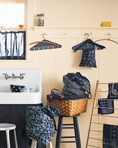 Just all kinds of cute ~ not a word usually applied to Laundry =) Bandanna-Lined Laundry Basket
