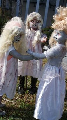 The Conjuring - 'Anabelle'? Dress dolls as Zombie Kids for scary Halloween Yard Decorations