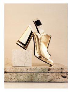 Clients Burberry, Louis Vuitton, Cutler & Gross, Dazed, Dior, L´Oreal, Kurt Geiger, Harper´s Bazaar, H&M/Lanvin/Isabel Marant/Alexander Wang, Moschino...