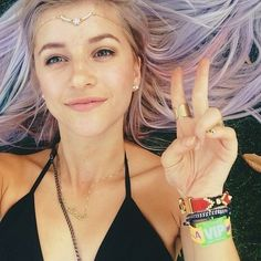 coachellafashion2014:  YouTube fashion vlogger Evelina Barry at Coachella 2014.