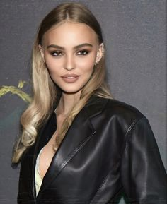 Hair Inspo, Hair Inspiration, Lily Depp, Lily Rose Melody Depp, Dye My Hair, Girl Crushes, Hair Looks, Pretty People, Blonde Hair