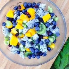 I love fruit mixes, they're so delicious! Think Food, I Love Food, Healthy Snacks, Healthy Eating, Healthy Recipes, Healthy Fruits, Healthy Detox, Fruit Recipes, Cooking Recipes