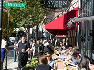 About Gold Coast - Chicago Neighborhoods - Choose Chicago Stay at the Thompson hotel. Eat at Tavern on rush, Gibsons, Lou malnatis pizzeria!!!