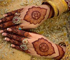 Gorgeous mehdni design with stylish rings fingera# mehndi Dulhan Mehndi Designs, Kashee's Mehndi Designs, Kashees Mehndi, Wedding Henna Designs, Engagement Mehndi Designs, Mehndi Design Pictures, Mehndi Designs For Girls, Mehndi Designs For Beginners, Heena Design