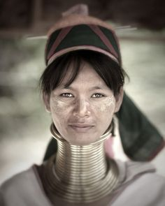 """""""Faces of the Earth"""" Website. Awesome portraits of people from countries around the world. Portrait of a KAREN tribe woman. Changmai, Thailand, 2007 by Jake Verzosa. We Are The World, People Around The World, Beautiful World, Beautiful People, Karen People, Asian Photography, Photos Voyages, Portraits, Silhouette"""