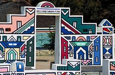 Images for Ndebele (South African people). African Hut, African Tribes, Geometric Painting, Geometric Shapes, Traditional Artwork, Thinking Day, Mural Art, Tribal Art, Elementary Art