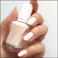 Essie Gel Couture Lace Me Up