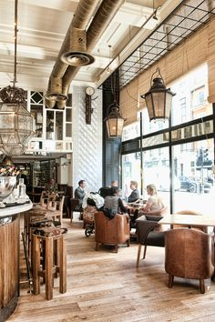 Nice and open, would be a nice bar/coffee shop combination // Restaurant and Bar Design Awards Cafe Bar, Cafe Bistro, Bar Deco, Deco Cafe, Deco Restaurant, Restaurant Interior Design, Restaurant Interiors, Coffee Shop Interiors, Restaurant Ideas