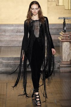 Julien Macdonald Fall 2016 Love it but I prefere the male clothes ( and the models)