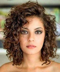 Curly or Wavy Haircuts 2019 ., Curly or Wavy Haircuts 2019 - Cada vez máutes mujeres ze animan any utilizar el cabello corto, está muy relacionado your veces minus shedd c. Medium Hair Cuts, Short Hair Cuts, Medium Hair Styles, Curly Hair Styles, Curly Short, Pixie Cuts, Medium Curly Bob, Short Styles, Short Natural Curly Hair