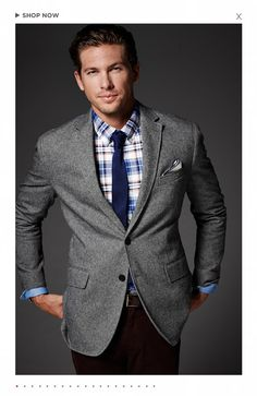 Fall trends from Banana Republic | Here are the 5 essentials every fashion-forward man needs to stay ahead of the style curve, like new Aiden chinos and Oxford shirts. Plus, earn reward miles when you shop online through airmilesshops.ca. #airmiles #FallFashion