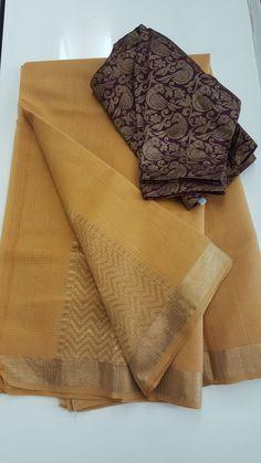 A mustard yellow zari kota saree Kota Silk Saree, Cotton Saree, Kota Sarees, Silk Sarees, Trendy Sarees, Stylish Sarees, New Dress Design Indian, Silk Saree Blouse Designs, Blouse Patterns