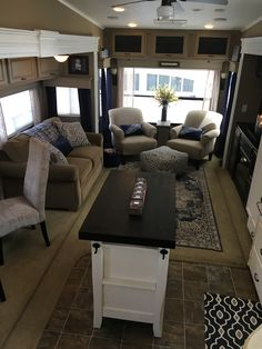 Camping trailer remodel rv makeover fifth wheel 28 Camping Desserts, Camping Recipes, Tiny House Living, Rv Living, Living In A Trailer, Travel Trailer Remodel, Travel Trailers, Camper Trailers, Rv Homes