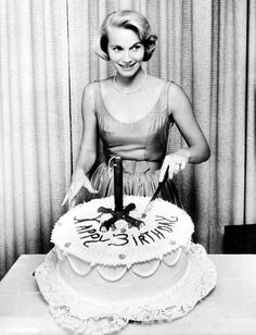 Eva Marie Saint, of July Birthday, 1959 Old Hollywood Glamour, Golden Age Of Hollywood, Classic Hollywood, July Birthday, Girl Birthday, Birthday Cake, Famous Left Handed People, Eva Marie Saint, Artist Cake