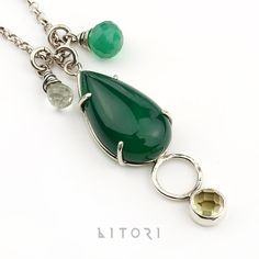 UENE minimalist necklace with green agate by Litori on Etsy