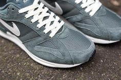 nike internationalist groen goud