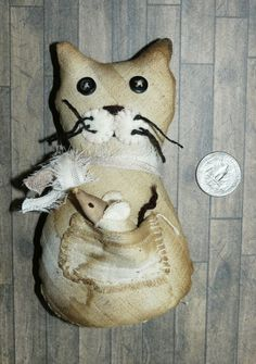 Primitive Cat with tiny Mouse, Fabric Art, stuffed cat, toy for teddy & doll Fabric Dolls, Fabric Art, Halloween Gourds, Cat Mouse, Kinds Of Fabric, Primitive Snowmen, Bear Doll, Old Antiques, Wood Sculpture