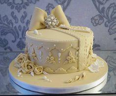 Gift box hat box cake