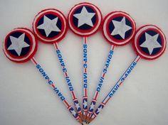 Ponteira lápis personalizado Capitão América. Feito de feltro Pode ser usado como convite ou lembrancinha.  Pedido minimo 20 unidades.
