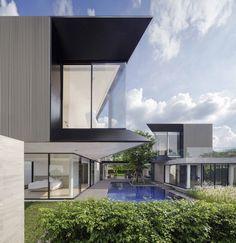 Gallery of Aluminium House / Ayutt and Associates Design - 1