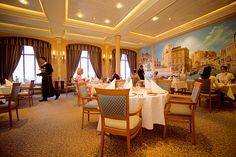 Google Image Result for http://hapaglloydcruises.files.wordpress.com/2011/05/ms-europa-venezia-resto.jpeg