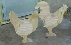 Raising pure bred chickens, bantams, guinea fowl and quail in Central Texas. Chicken Crafts, Chicken Art, Farm Chicken, Farm Crafts, Wooden Crafts, Wood Yard Art, Wood Art, Palette Deco, Wood Animal