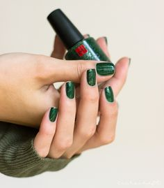 sophin-boheme-naillaqucer-nailpolish-nagellack-swatch-review-green-holo-grün-4