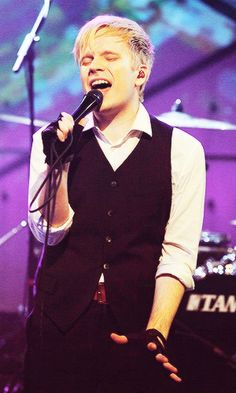 Patrick Stump <3 What the hell happened to him