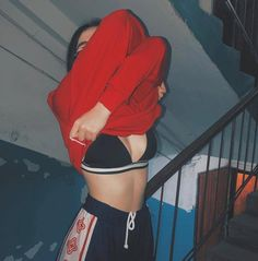 Simple Tips To Ensure Great Pictures Bad Girl Aesthetic, Red Aesthetic, Aesthetic Photo, Tumblr Photography, Photography Poses, Foto Casual, Insta Photo Ideas, Tumblr Girls, Ulzzang Girl