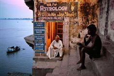 Varanasi, India   photo credits:Steve McCurry www.stevemccurry.com