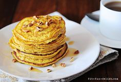 Protein Pumpkin Pancakes. Made with oats & egg whites. Only 276 calories for the entire serving!