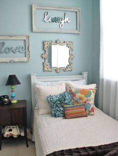 Decor Ideas for Girly Rooms - Silver lettering