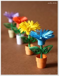 flower pots using quilling paper craft Quilling Comb, Paper Quilling Jewelry, Neli Quilling, Quilling Paper Craft, Paper Crafts Origami, Paper Crafts For Kids, Paper Crafting, Paper Quilling For Beginners, Paper Quilling Tutorial