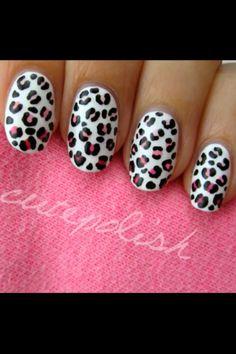Cutepolish's Leopard Ombré nails.