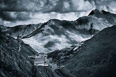 Monochromatic Alps by Jakub Polomski