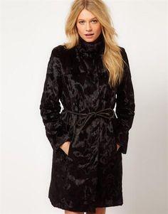 Пальто из искусственного меха женские