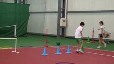 Se miran las capacidades físicas en los niños Basketball Court, Soccer, Youtube, Circuits, Exercises, Sports, Hs Football, Futbol, European Soccer