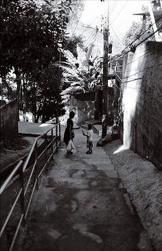 Woman with Child in Morro da Babilônia, Rio de Janeiro by illuminaut, via Flickr