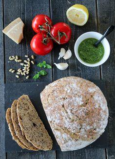 Eltefritt landbrød med basilikumpesto Camembert Cheese, Dairy, Baking, Ethnic Recipes, Rezepte, Patisserie, Bread, Bakken, Postres