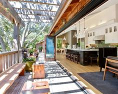Architecture Fascinating Summer Kitchen Design Cool House In California Deck Awesome Ideas for Inviting Open Home Design Indoor Outdoor Kitchen, Outdoor Decor, Outdoor Kitchens, Beautiful Kitchens, Beautiful Homes, Boho Home, Summer Kitchen, California Homes, Valley California