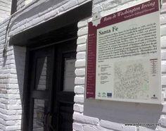 """#Granada #Santa Fe - Oficina de Turismo GPS 37º 11' 17"""" -3º 43' 5"""" / 37.188056, -3.718056   Es también punto de información de la ruta de Washington Irving. Santa Fe es un municipio andaluz de la provincia de Granada (España), situado en la Vega de Granada, regada por el río Genil. Comprende tres núcleos de población: Santa Fe Pueblo, El Jau (unos 700 hab.) y Pedro Ruiz (200 hab.)."""