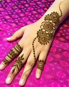 What is a Henna Tattoo? Henna tattoos are becoming very popular, but what precisely are they? Henna Hand Designs, Dulhan Mehndi Designs, Arte Mehndi, Mehndi Designs Finger, Simple Arabic Mehndi Designs, Mehndi Designs For Girls, Mehndi Designs For Beginners, Modern Mehndi Designs, Mehndi Designs For Fingers