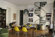 Photo Escalier : Escalier helicoïdal en metal salon