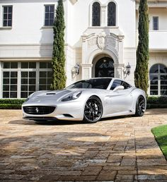 my current obsession, first ever hardtop convertible with litres dual clutch front mount engine by the ppl in Maranello My Dream Car, Dream Cars, Ferrari California, Car Engine, Car In The World, Hot Cars, Exotic Cars, Custom Cars, Car Manufacturers