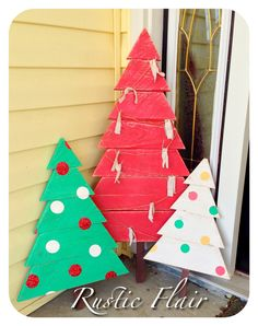 Christmas trees made from reclaimed wood! #rusticflair www.facebook.com/rusticflair