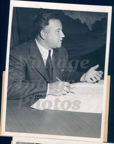 1944 Jack Frye President TWA NY Press Conference Air Line Terminal Press Photo