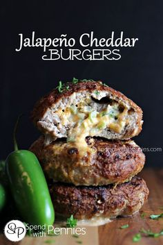 Jalapeño Cheddar Burgers (Turkey or Beef) - Spend With Pennies Jalapeno Cheddar Burgers! These are amazing with turkey or beef (I used turkey for these and it was delicious and juicy! Meat Recipes, Dinner Recipes, Cooking Recipes, Healthy Recipes, Stuffed Burger Recipes, Barbecue Recipes, Delicious Recipes, Turkey Burger Recipes, Stuffed Turkey Burgers
