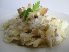 Szerda: Túrós csusza National Dish, Grains, Rice, Dishes, Food, Tablewares, Essen, Meals, Seeds