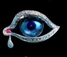 Three-inch long piece of jewellery in the shape of a human eye, designed by surrealist artist Salvador Dali. Salvador Dali, Eye Of Horus, Eye Art, Feng Shui, Les Oeuvres, Bunt, Contemporary Artists, Jewelry Collection, Heart Ring